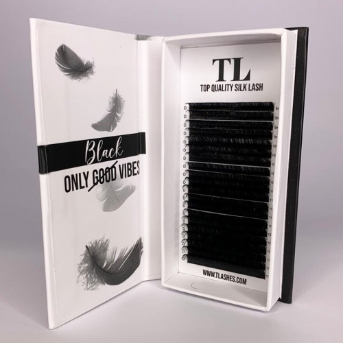 LUXURY VOLUME LASH